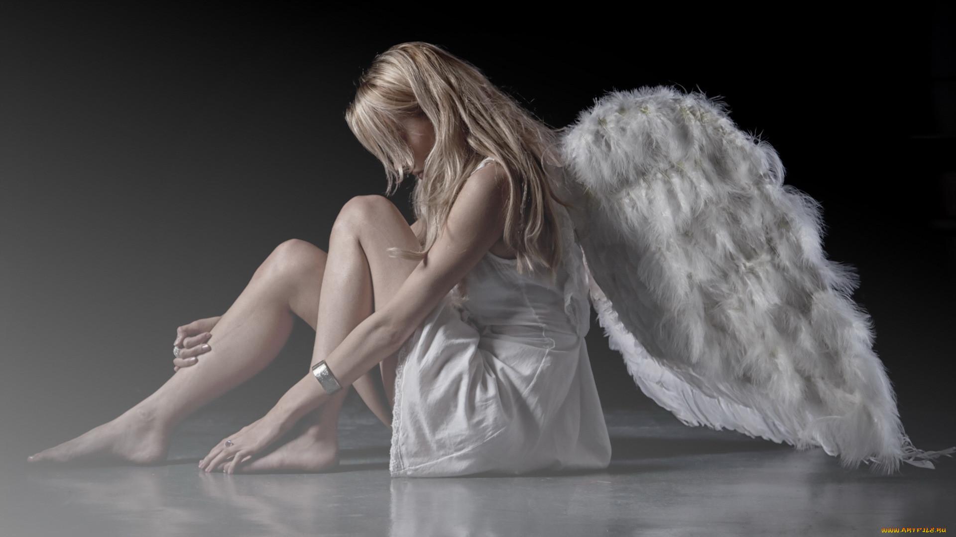 Крылья на девушке картинки